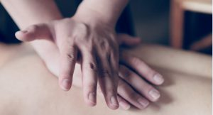 Rücken-Nacken-Massage